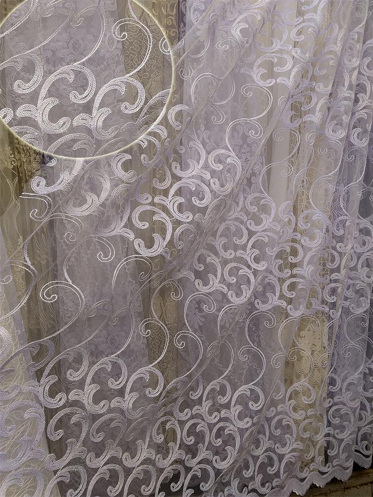 Тюль на сітці «Вейв» білого кольору.